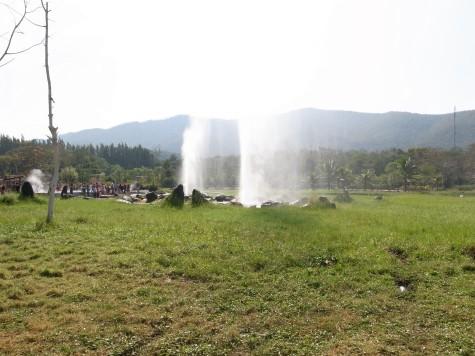 サンカンペーン温泉の間欠泉