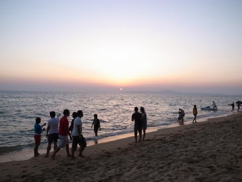 ジョムティエンビーチの夕暮れ