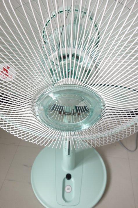 タイ東芝のリズム風付き扇風機
